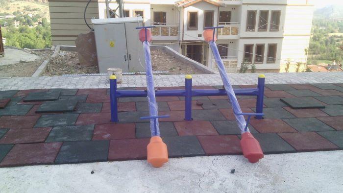 Metal Çocuk Oyun Grubu 916